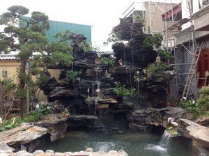 Hồ koi tại khách sạn Bình Minh- Hải Dương